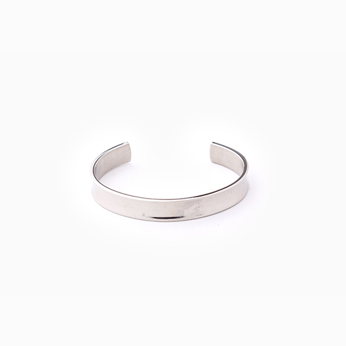 A matt Simple Bangle